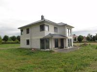 03.-Neubau-Einfamilienhaus-mit-Garage-in-Gartenstadt-Bad-Lgs.-Rueckansicht-
